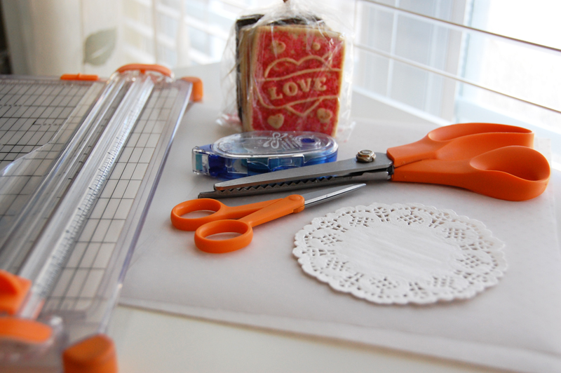 roree rumph_valentine_vellum_cookie_treat bags_step1