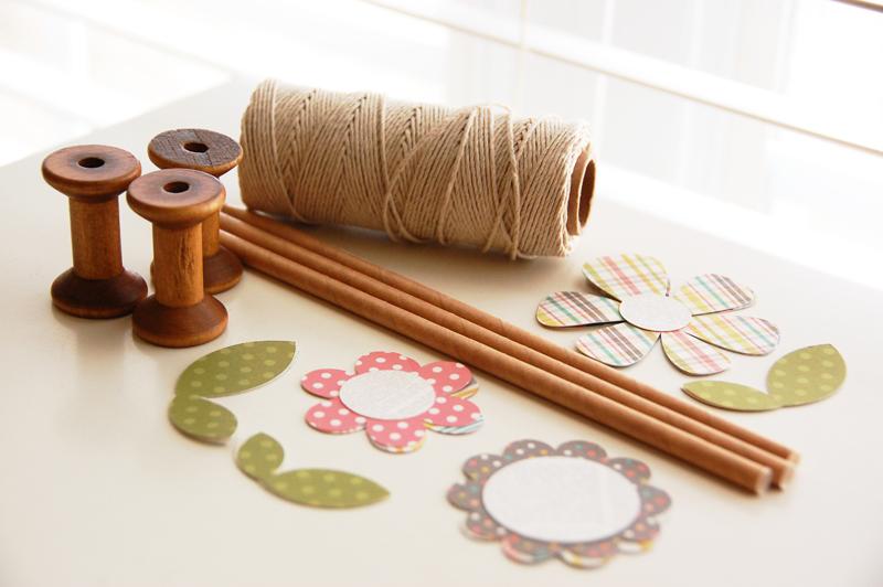 roree rumph_wooden spool_flowers_step1