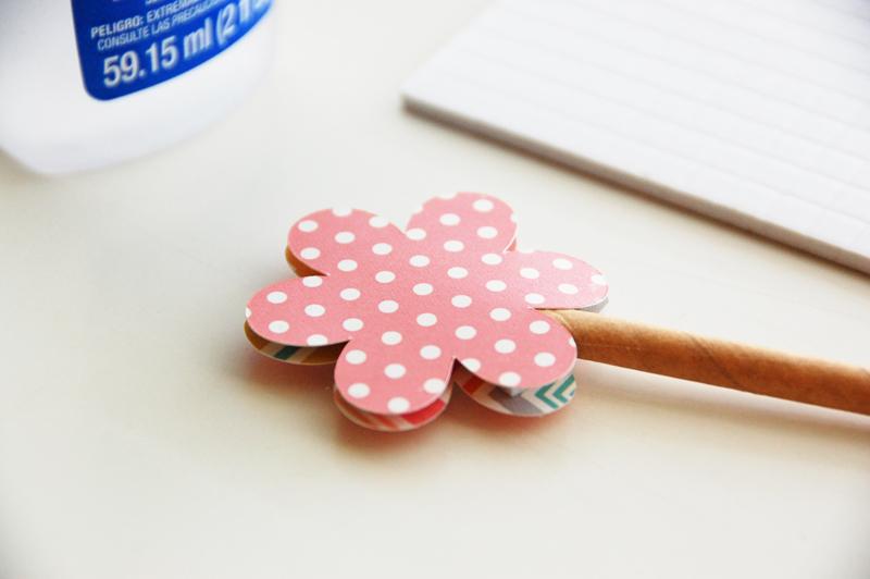 roree rumph_wooden spool_flowers_step7