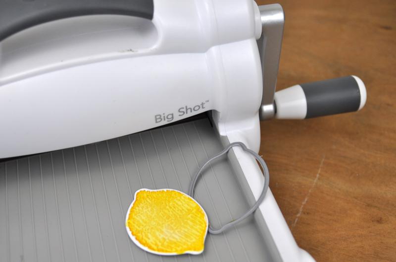Lemon-Treat-Bag-Step-4