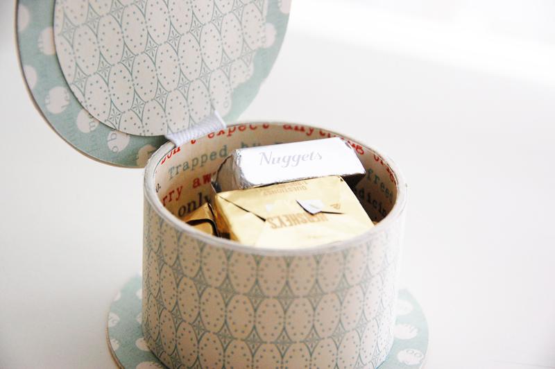 roree rumph_ribbon_spool_gift_box_step10