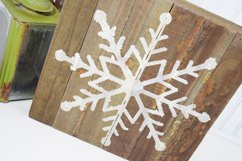 Easy Snowflake Home Decor by @jbckadams for @scrapbookexpo