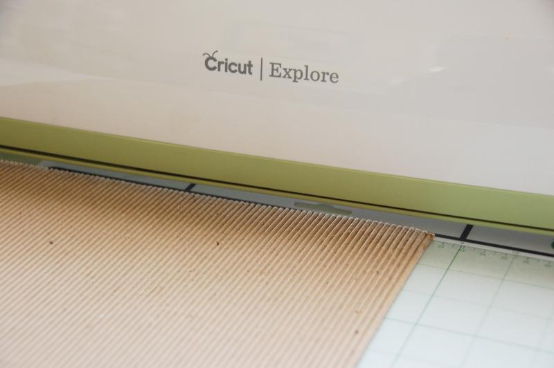 roree rumph_corrugated cardboard_die cut_card_step1