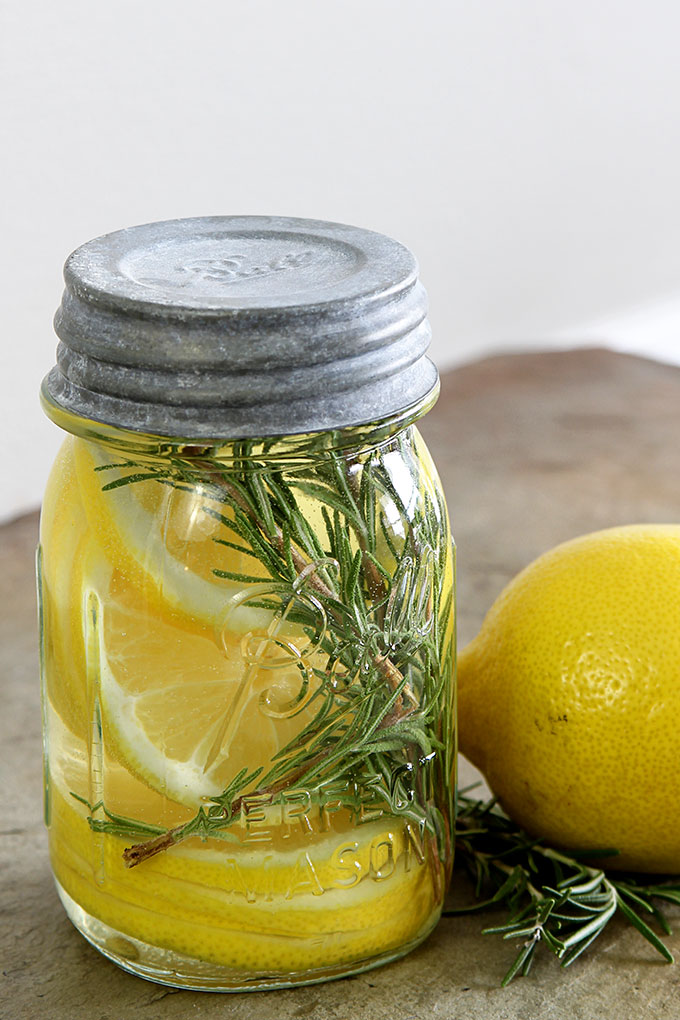LEMON AND ROSEMARY NATURAL ROOM SCENT