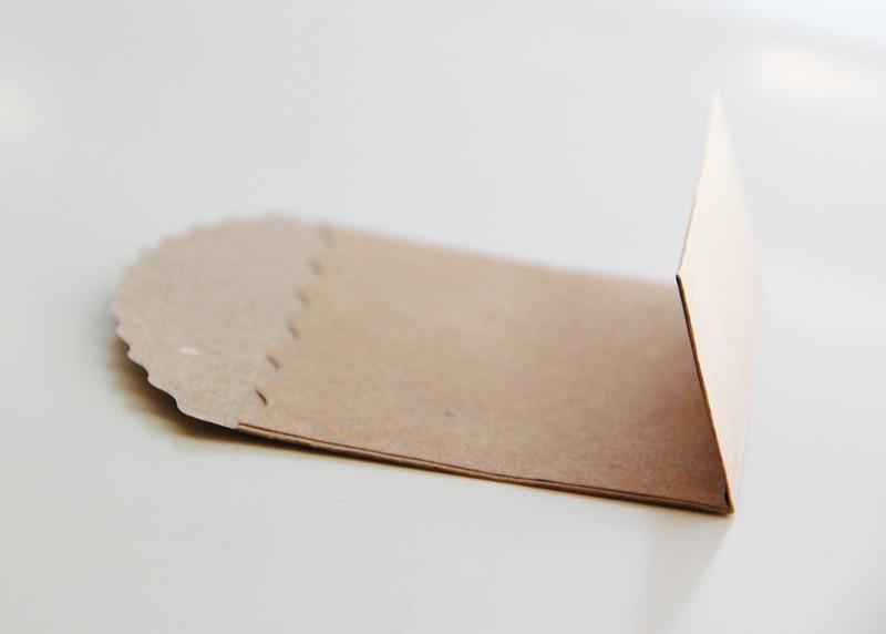 roree-rumph_pocket_place-card_step2
