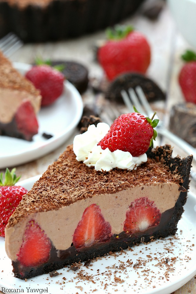 No-Bake Strawberry Chocolate Pie