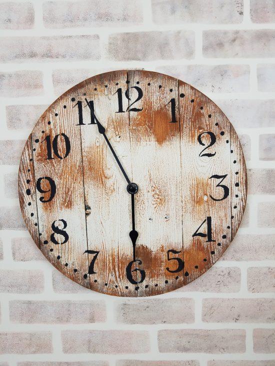 Distressed Clock Using Stencils