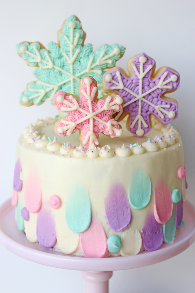 Winter Snowflake Cake