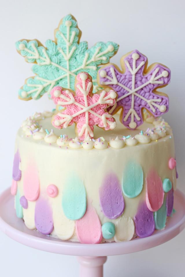 Winter Snowflake Cake