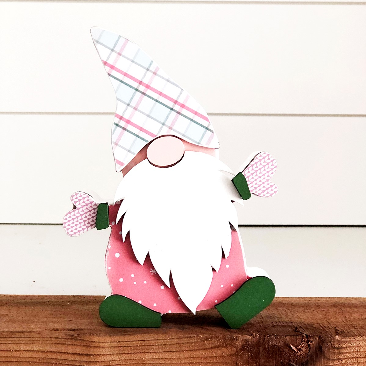 Stamp and Scrapbook Expo Foundations Decor gnome
